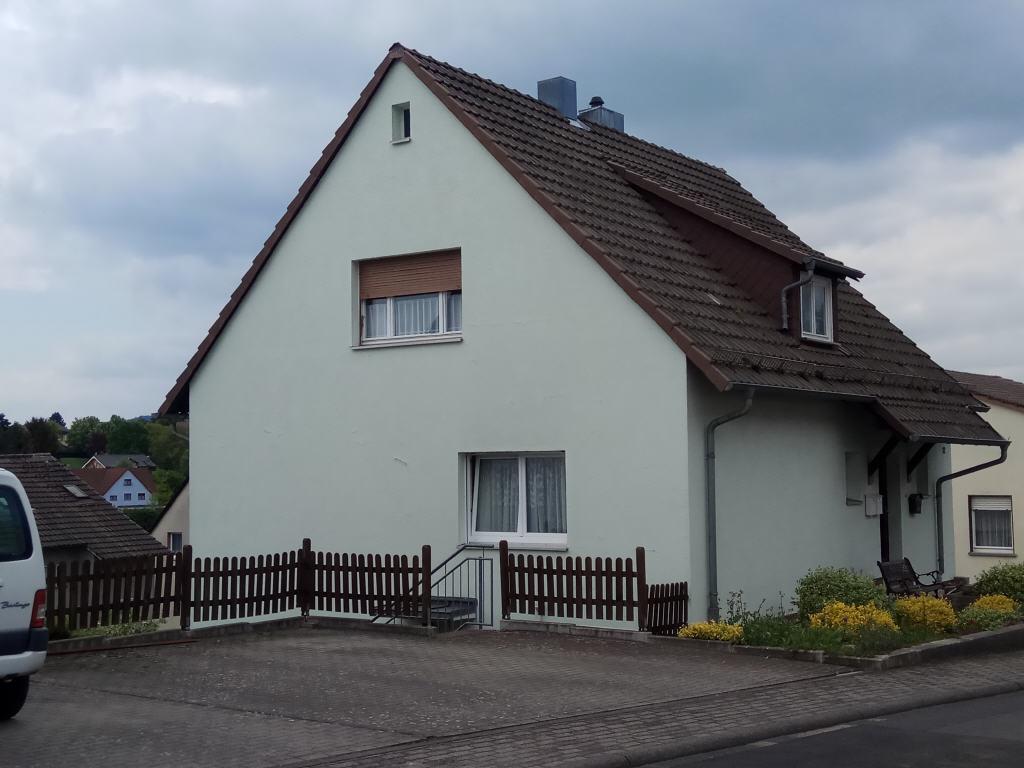 einfamilienhaus mit einliegerwo in d 36110 schlitz vogelsbergkreis hessen. Black Bedroom Furniture Sets. Home Design Ideas