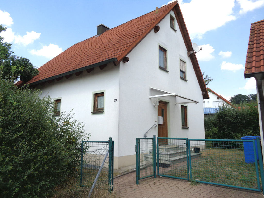 wohnhaus in d 91443 scheinfeld neustadt a d aisch bad windsheim bayern immobilienangebot nr. Black Bedroom Furniture Sets. Home Design Ideas