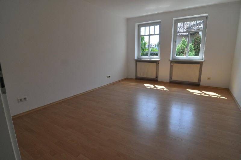 Moderne mietwohnung in zentraler lage vr bank immobilien for Wohnzimmer coburg