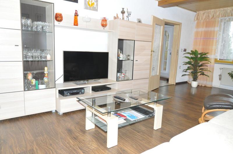 verkauft tolles angebot in neuhaus schierschnitz vr bank immobilien coburg. Black Bedroom Furniture Sets. Home Design Ideas