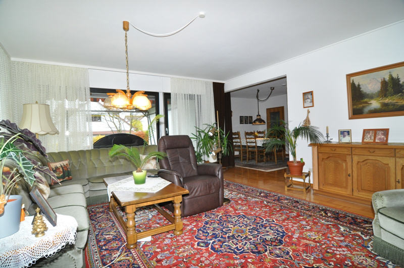gepflegter winkelbungalow in meeder vr bank immobilien coburg. Black Bedroom Furniture Sets. Home Design Ideas