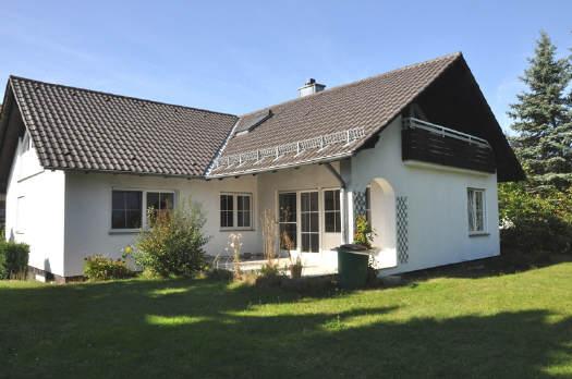 Verkauft Gro 223 Er Winkelbungalow Mit Einliegerwohnung Vr Bank Immobilien Coburg